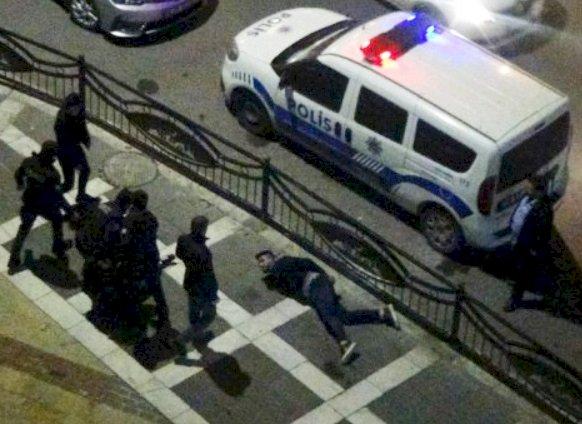 Urfa'da Bıçaklı Kavga 2 Kişi Yaralandı