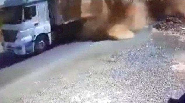 Urfa'da Üzerine Saman Balyası Düşen 1 Kişi Öldü