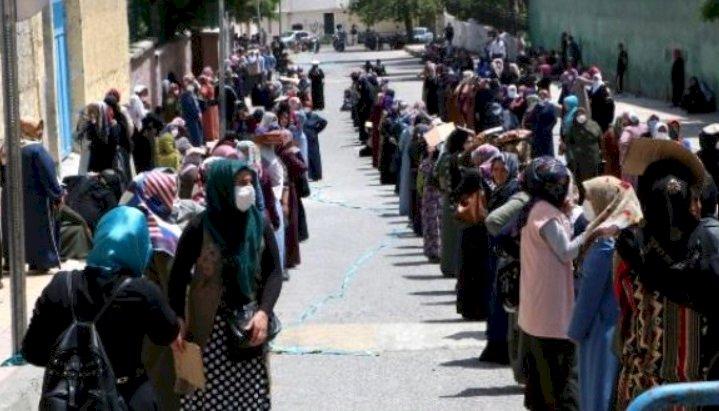 Urfa'da Yardım Yoğunluğunun Önüne Geçilemiyor